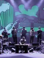 O som da Nomade Orquestra é um passaporte para outro mundo